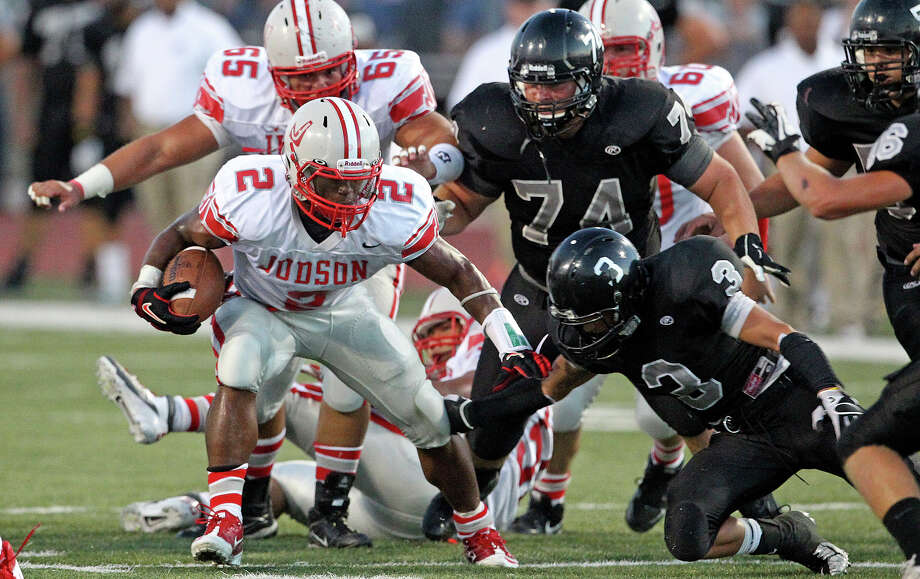 Judson's Jarveon Williams challenges in the middle as Steele hosts Judson at Lehnhoff Stadium on September 7, 2012. Photo: Tom Reel, Express-News / ©2012 San Antono Express-News