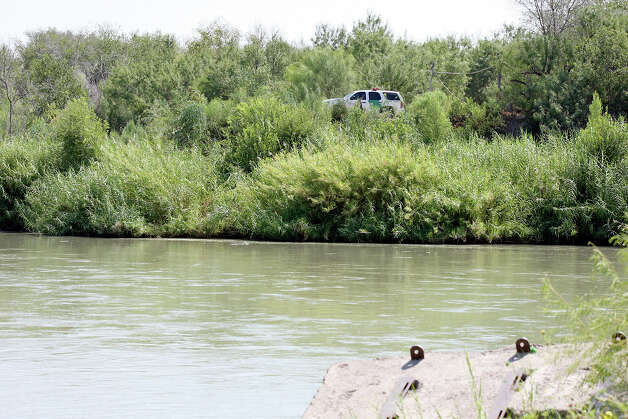 A U.S. Border Patrol vehicle is pictured, Friday Sept. 7, 2012 in Laredo, near the Rio Grande across from Nuevo Laredo, Tamalipas, Mexico. The area is where Mexican citizen Guillermo Arévalo Pedroza, 36, was allegedly shot and killed by a U.S. Border Patrol agent Monday Sept. 3, 2012. Photo: Edward A. Ornelas, San Antonio Express-News / © 2012 San Antonio Express-News
