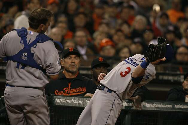 Dodger #3 Adam Kennedy catches a pop up of Giant #35 Brandon Crawford for a third out during the fifth inning in San Francisco, Calif., on Friday, September 7, 2012. Photo: Liz Hafalia, The Chronicle