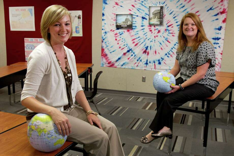 Dana Tabor, left, is teaching the research seminar and Crystal Chapman instructs the Advanced Placement English portion of the College Board's AP-Cambridge Capstone Project. Photo: Brett Coomer / © 2012 Houston Chronicle