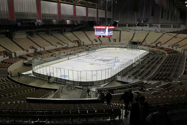 The renovated Cow Palace has added some flourishes since the Warriors arrived in 1962. The San Francisco Bulls minor-league hockey team invested more than $2 million. Photo: Paul Chinn, The Chronicle
