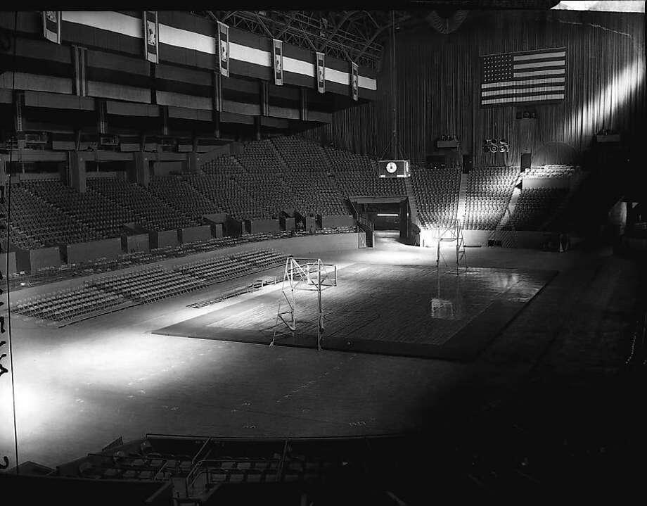 The renovated Cow Palace has added some flourishes since the Warriors arrived in 1962, above. The San Francisco Bulls minor-league hockey team invested more than $2 million. Photo: Ken McLaughlin, Chronicle File Photo