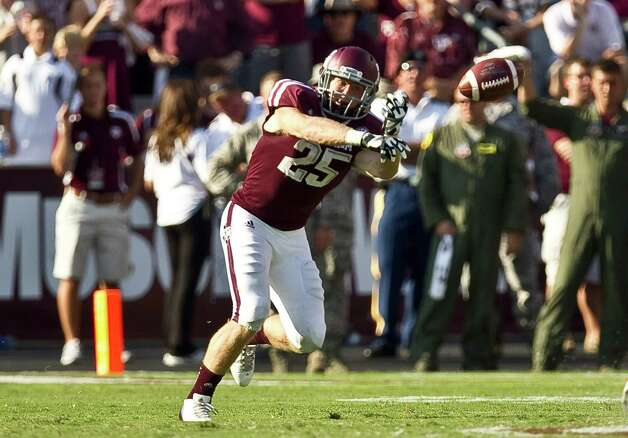 Texas A&M University wide receiver Ryan Swope (25) fails to make a catch as the Aggie offense fails during the fourth quarter of a NCAA football game against the University of Florida, Saturday, Sept. 8, 2012, at Kyle Field in College Station. The University of Florida won 20-17. Photo: Nick De La Torre, Houston Chronicle / © 2012  Houston Chronicle