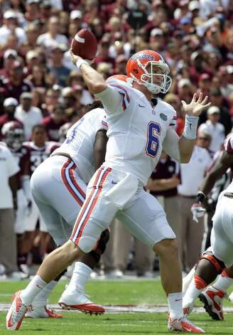 Florida quarterback Jeff Driskel (6) throws a pass against Texas A&M during the first quarter of an NCAA college football game, Saturday, Sept. 8, 2012, in College Station, Texas. Texas A&M begins a new era with its first Southeastern Conference game after leaving the Big 12 Conference. (AP Photo/David J. Phillip) Photo: David J. Phillip, Associated Press / AP