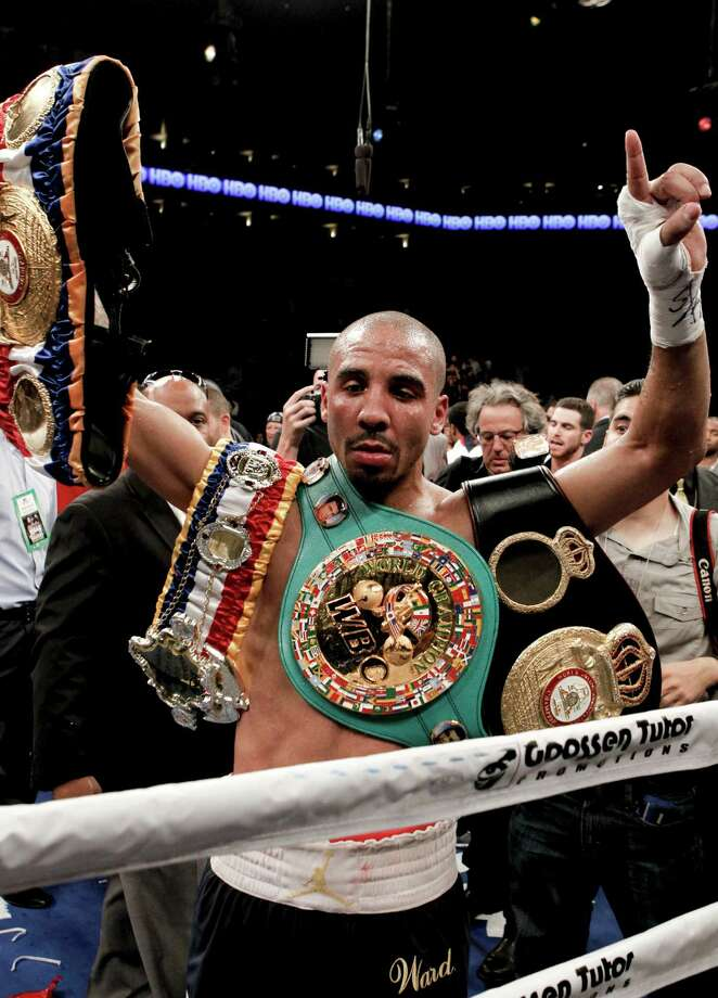 Andre Ward retains his title after taking Chad Dawson for the WBA/WBC super middleweight title at the Oracle Arena in Oakland, Calif., on Saturday September 08, 2012. Photo: Michael Macor / The Chronicle / ONLINE_YES