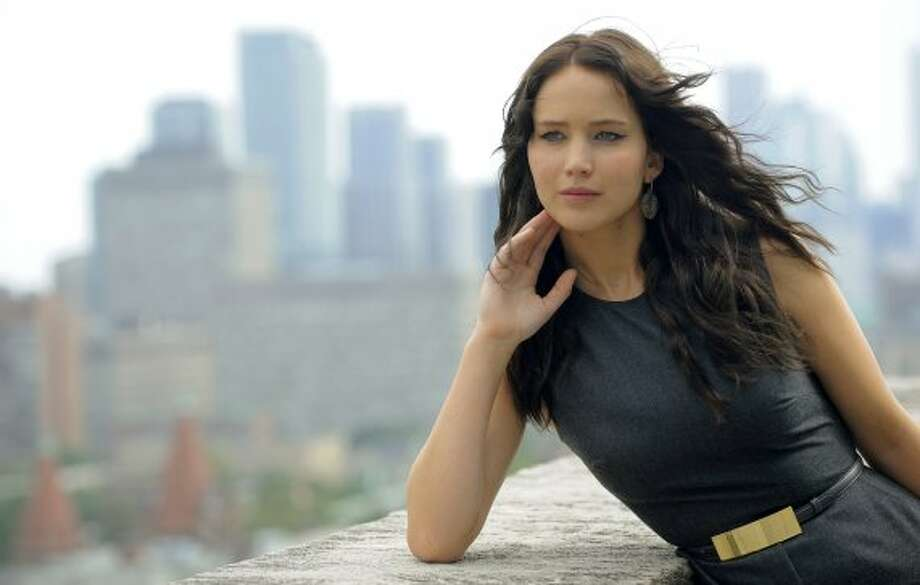 "Jennifer Lawrence, a cast member in the film ""Silver Linings Playbook,"" poses for a portrait. (CHRIS PIZZELLO/INVISION/AP)"