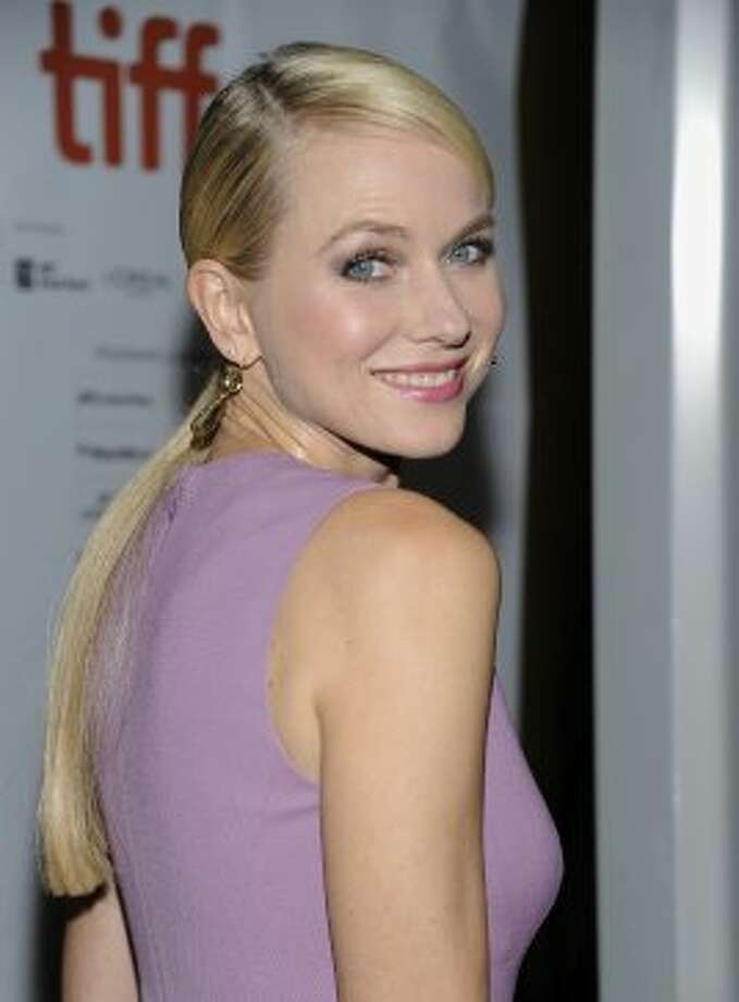 "Actress Naomi Watts arrives at ""The Impossible"" premiere. (EVAN AGOSTINI /INVISION/AP)"