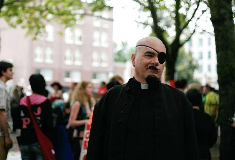 Lazarus Darkwinter wears an eye patch and dark cloak. Photo: Sofia Jaramillo / SEATTLEPI.COM