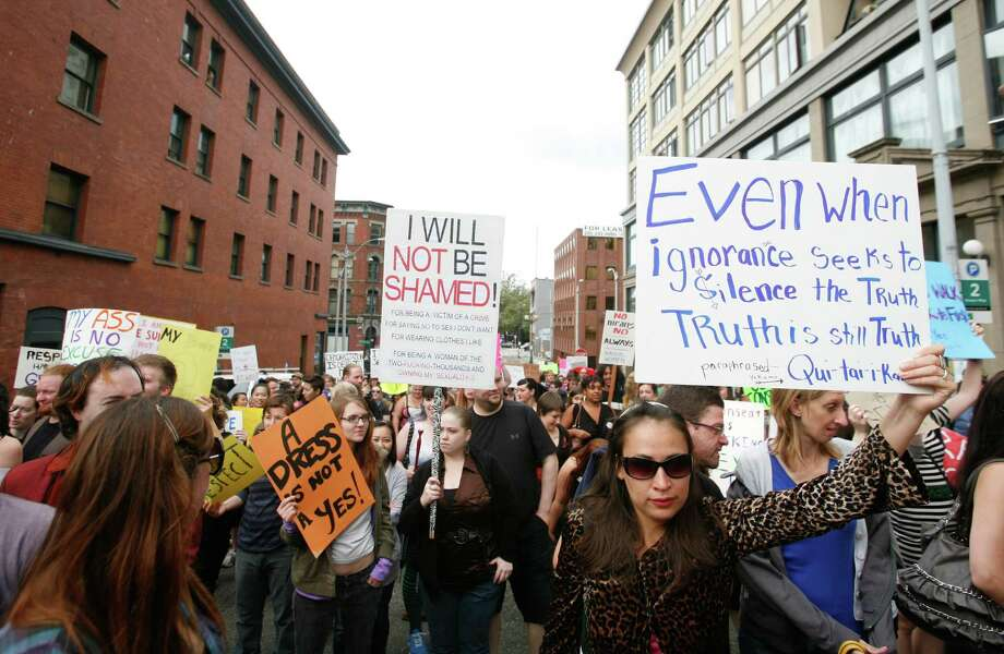 Protesters march. Photo: Sofia Jaramillo / SEATTLEPI.COM