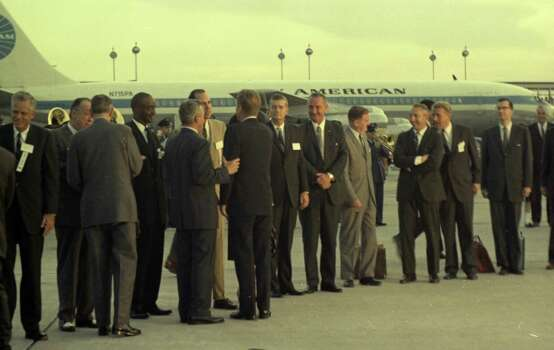 09/11/1962 - President John F. Kennedy arrives at International Airport in Houston  to huddle with NASA's leadership and address a national audience from Rice to bolster his initiative to land American astronauts on the moon. President Kennedy is greeted at the airport by local dignitaries. Photo: Houston Chronicle / Houston Chronicle