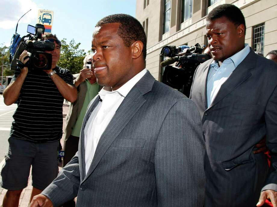 Trenton, N.J.,Mayor Tony Mack and his brother, Ralphiel Mack, right, are under investigation in connection with a federal bribery sting. Photo: Mel Evans / AP