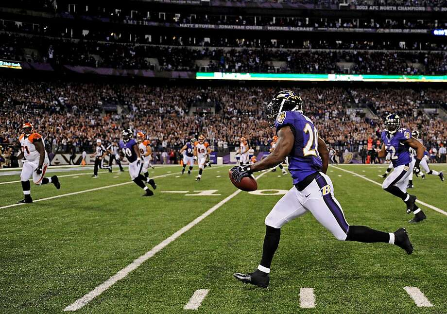 Baltimore's Ed Reed returns an interception 34 yards for a touchdown in the third quarter. Photo: Patrick Smith, Getty Images
