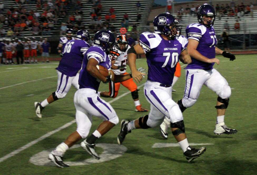 18. Boerne Greyhounds Record: 7-1 4A-1 Region IV District 15 Opponents with a winning record: 7 Week 9 result: W - Beeville Jones 45-38