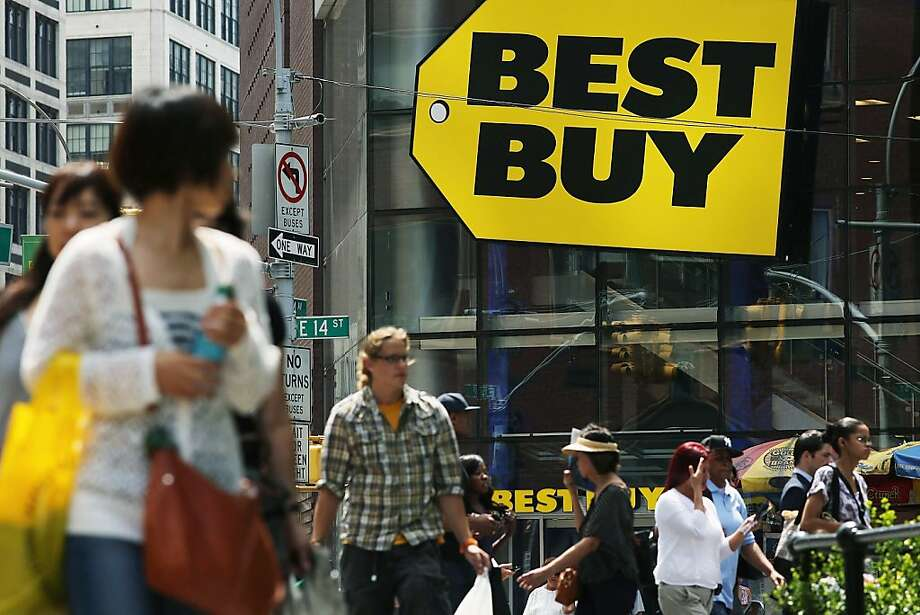 Best Buy will shift strategies, shutting big-box stores and opening strip mall shops. Photo: Spencer Platt, Getty Images