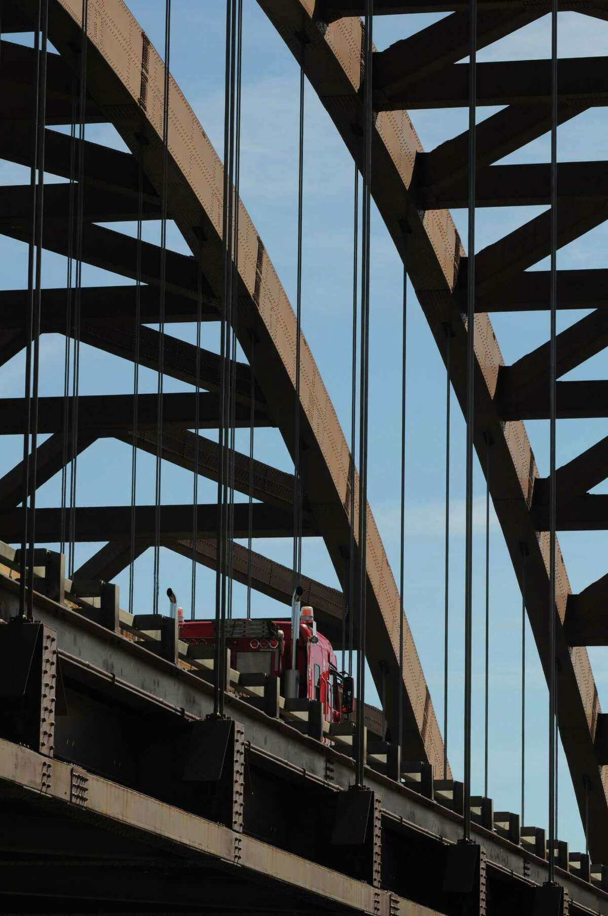 Thaddeus Kosciuszko Bridge viewed from Towpath Rd. in Halfmoon, N.Y., Tuesday Sep. 11, 2012. Roadwork on the northbound side of the Twin Bridges is scheduled to take place over the course of up to six weekends. The southbound deck will be replaced in the spring. (Will Waldron / Times Union)