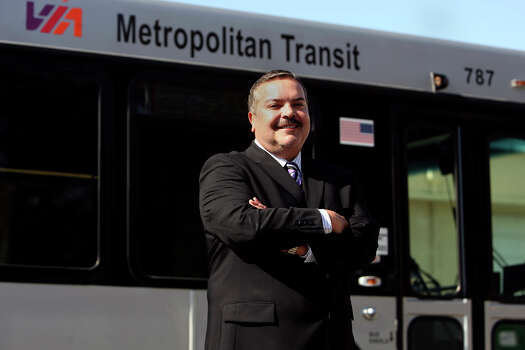 Henry R. Muñoz III, seen on Nov. 24, 2009, is the chairman of the board for VIA Metropolitan Transit. He is also CEO of the architecture firm Kell Muñoz. Photo: JOHN DAVENPORT, SAN ANTONIO EXPRESS-NEWS / jdavenport@express-news.net