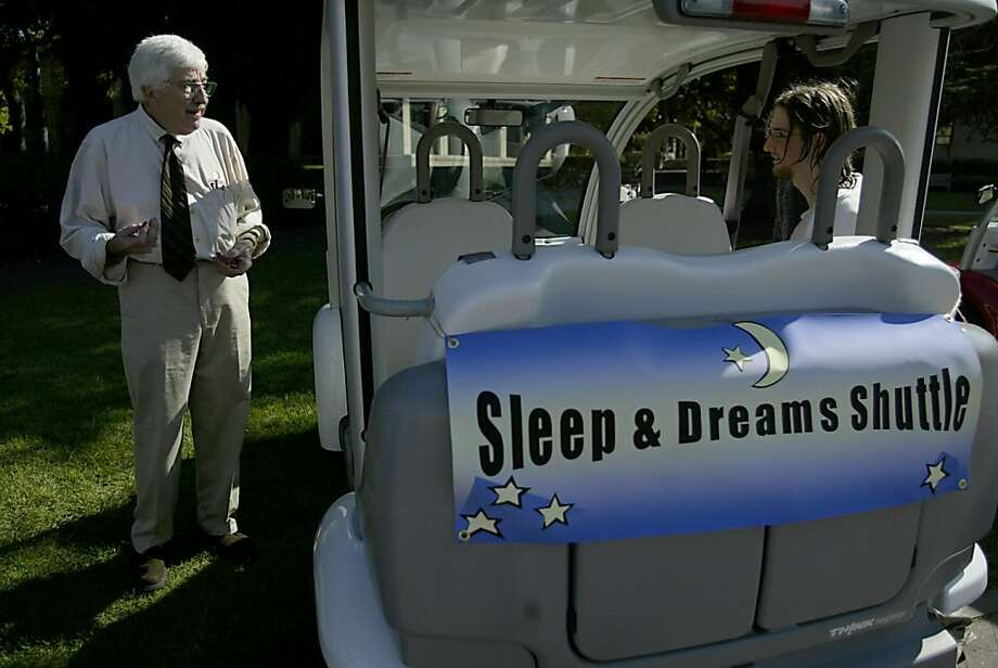 Professor William Dement gives extra credit for naps. Photo: Lea Suzuki, SFC