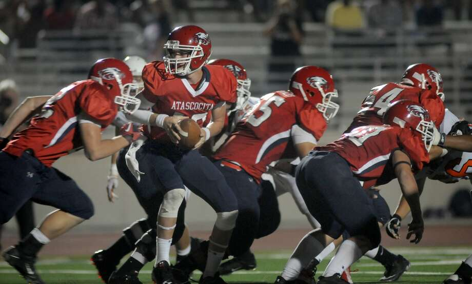 Atascocita quarterback Grant Ashcraft has been key to the 2-0 start for the Eagles. Photo: Jerry Baker
