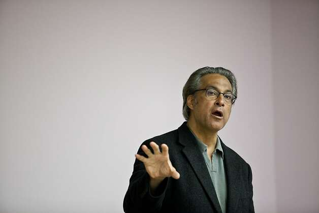 Ross Mirkarimi should end the ongoing drama by simply resigning. Photo: Jason Henry, Special To The Chronicle