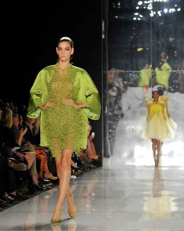 Ralph Rucci s high-octane color for Thursday, Sept. 13, NY Fashion Week story by Michael Quintanilla Photo: Stephen Chernin, Associated Press / FR76594 AP