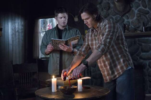 """Survival Of The Fittest"" -- Pictured (L-R): Jensen Ackles as Dean and Jared Padalecki as Sam in SUPERNATURAL on The CW. Photo: Jack Rowand/The CW ©2012 The CW Network. All Rights Reserved. (Jack Rowand / The CW)"