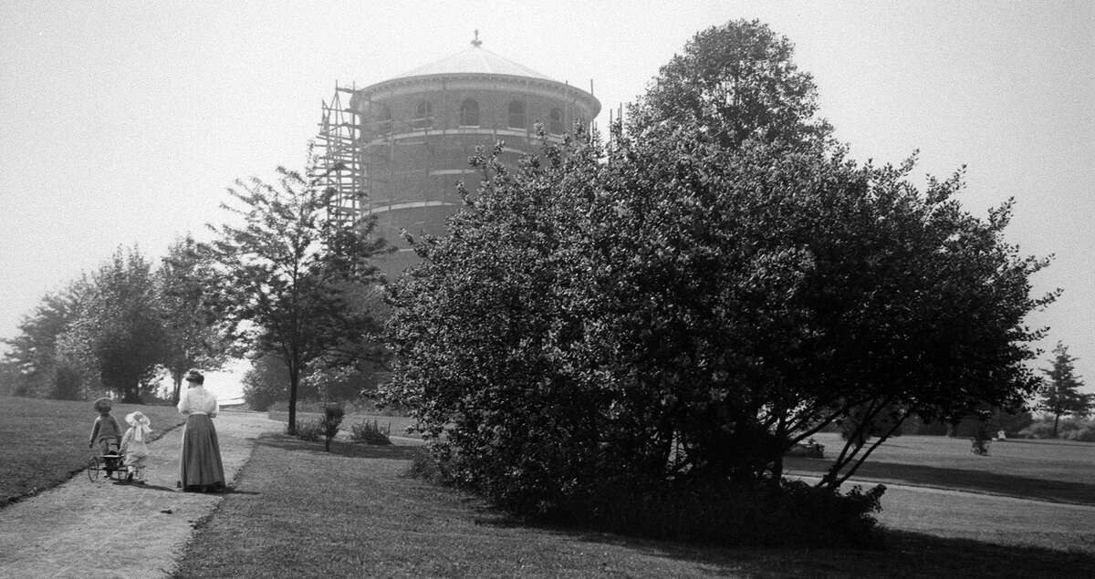 Here's a shot of the Volunteer Park water tower under construction.