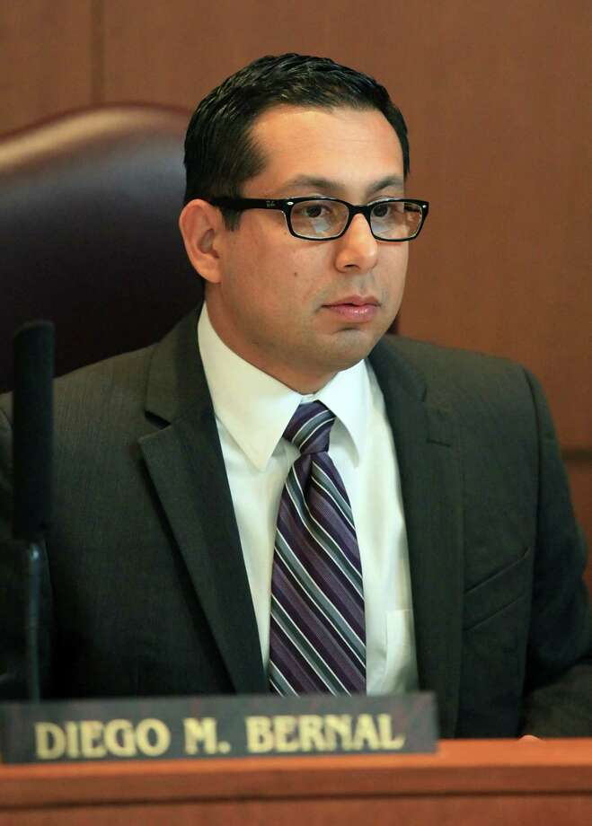City Councilman Diego M. Bernal has led the local effort to reform regulation of the payday and title loan business. Photo: BOB OWEN, San Antonio Express-News / © 2012 San Antonio Express-News
