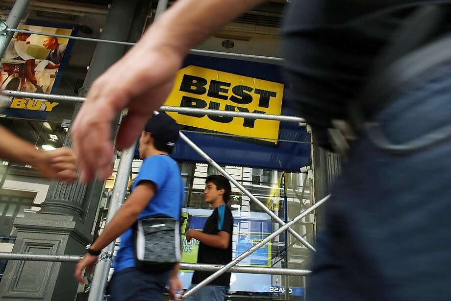 Best Buy is reassigning roughly 2,000 workers to the sales floor. These employees had greeted customers and checked receipts of exiting shoppers. Photo: Spencer Platt, Getty Images