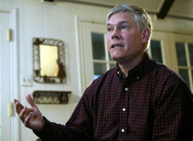 Rep. Pete Sessions, R-Texas, talks at a news conference, Friday, Jan. 16, 2004, at his home in Dallas, Texas. (Donna McWilliam / Associated Press)