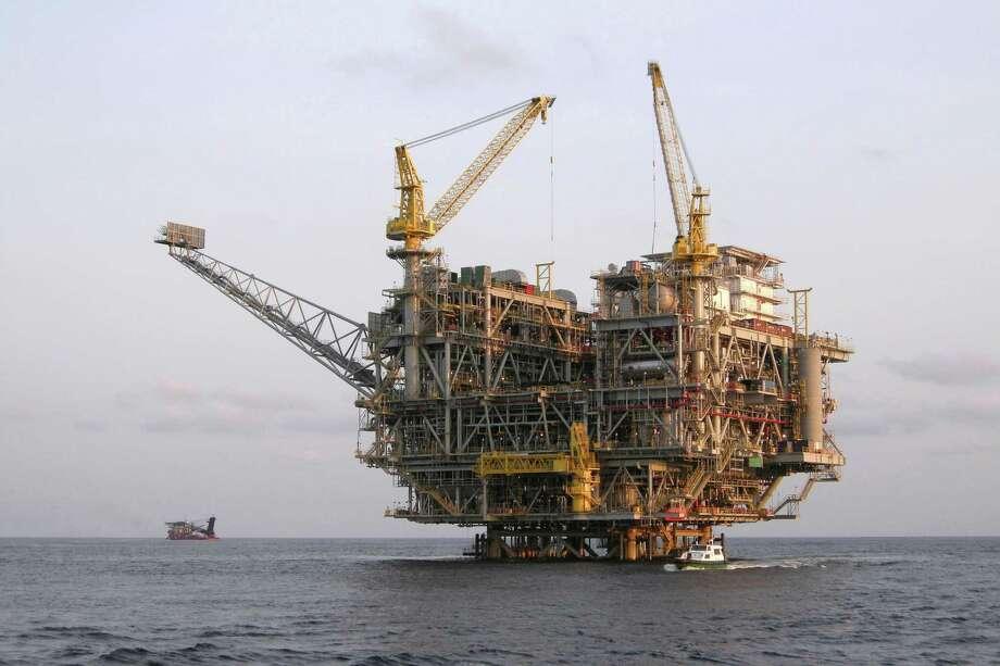 Oil Platform offshore Angola Photo: Christopher Poe / iStockphoto