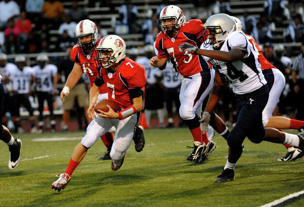 Boys football action between Foran and Hillhouse in Milford, Conn. on Thursday September 13, 2012. Photo: Christian Abraham / Connecticut Post