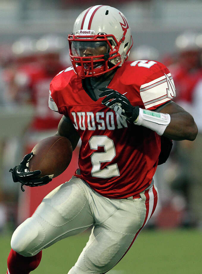 Jarveon Williams breaks out for the Rockets in the first half as Judson hosts Churchill at Rutledge Stadium on September 13, 2012. Photo: Tom Reel, Express-News / ©2012 San Antono Express-News