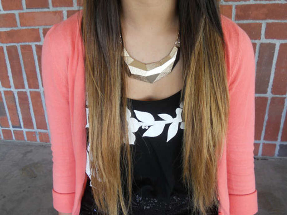 Lindsey Burns, a 12th grader at Schalmont High School, wears a chunky gold necklace paired well with her ombre hair. Photo by Rosa D'Ambrosio. Photo: New Visions: Journalism & Media Studies