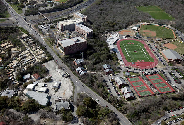 University of the Incarnate Word athletics area (top, right) on Thursday, Mar. 4, 2010.  Photo: KIN MAN HUI, Express-News / San Antonio Express-News
