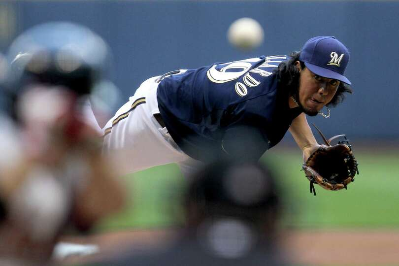 July 31: Brewers 10, Astros 1 Yovani Gallardo of the Milwaukee Brewers pitch