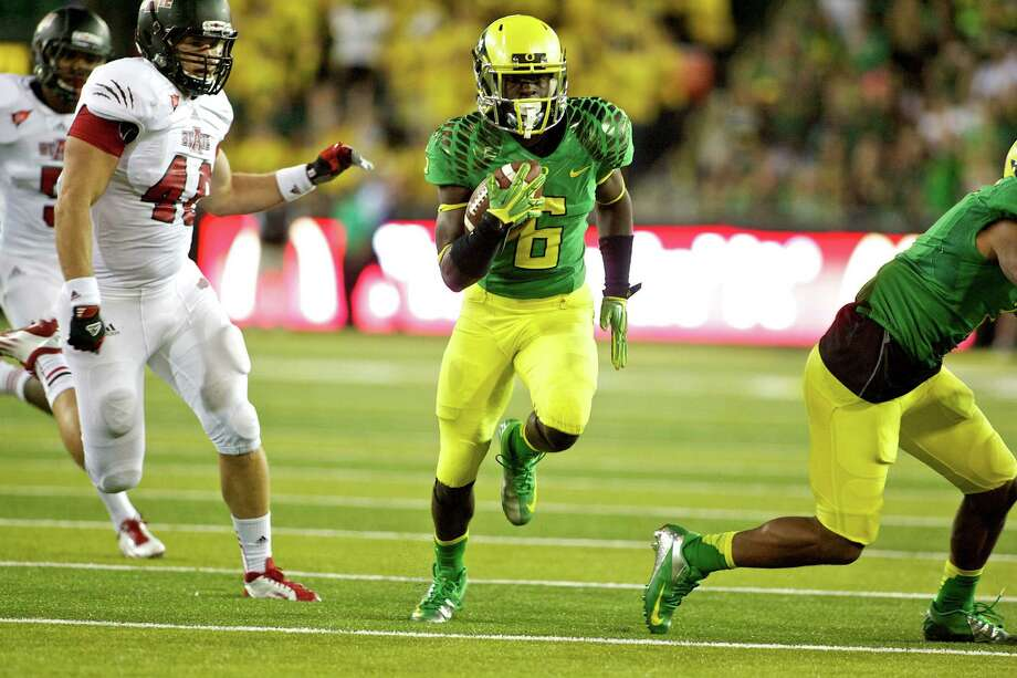 The Ducks play at a pace like few teams in college football and often  score quickly, with 44 of their 80 touchdown drives this season coming  in two minutes or less.  (Photo by Craig Mitchelldyer/Getty Images) Photo: Craig Mitchelldyer / 2012 Getty Images