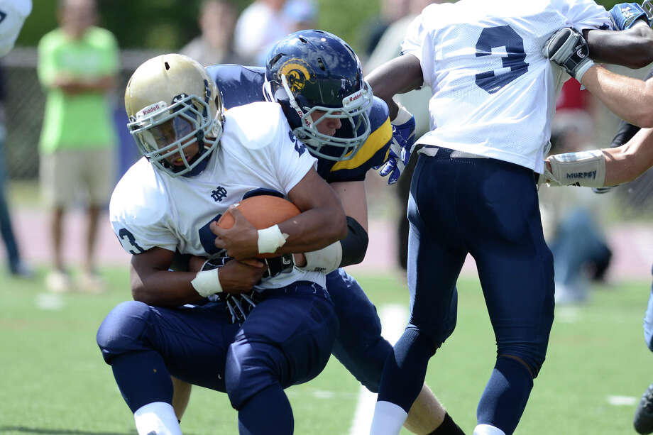 Weston High School hosts Notre Dame of Fairfield High School in varsity football in Weston, CT on Sept. 15, 2012. Photo: Shelley Cryan / Shelley Cryan freelance; CT Post freelance