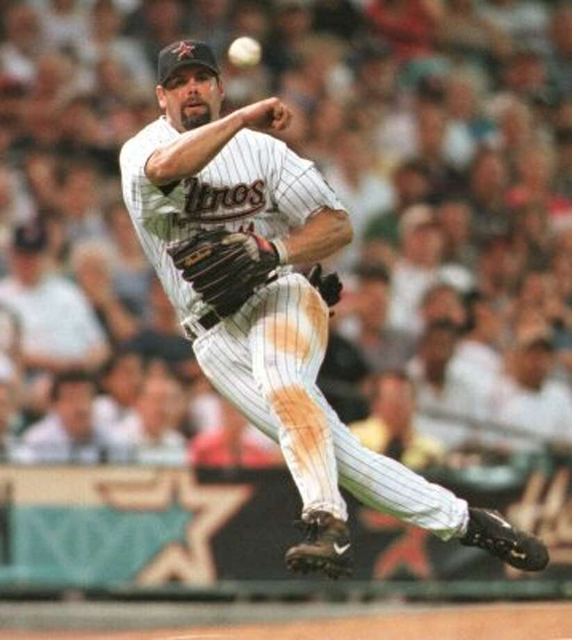 32. Ken Caminiti, 3B (1987-1994, 1999-2000).264/.330/.402 batting line with 103 HRs, 546 RBIs, 496 Rs, 48 SBs and 15.4 Wins Above Replacement in 1,085 games. Made first All-Star team in 1994 with Astros and was MVP two seasons later with San Diego Padres. (Kevin Fujii / Houston Chronicle)