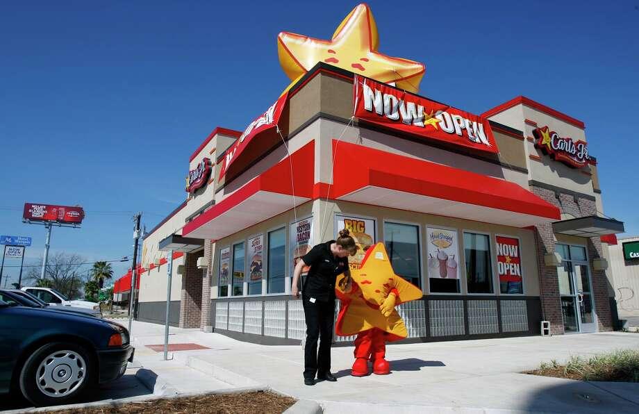Carl's Jr. The Original Six Dollar Burger, 910 calories. Photo: William Luther, San Antonio Express-News / SAN ANTONIO EXPRESS-NEWS