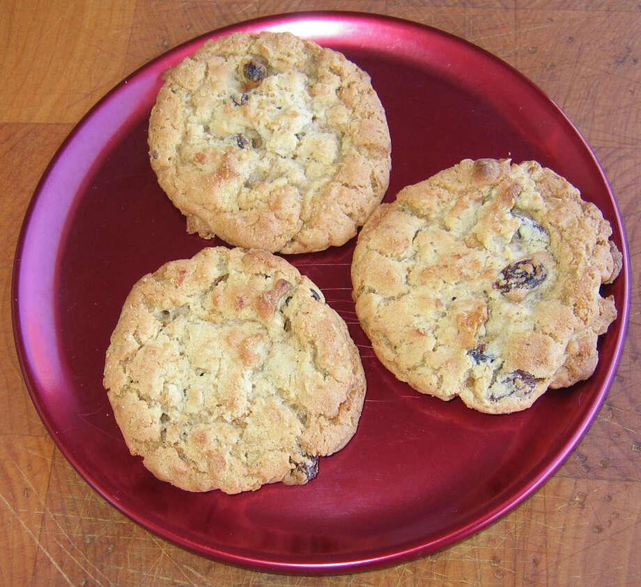 McDonald's Soft Baked Oatmeal Raisin Cookies, 150 calories each. Photo: Karen Haram, San Antonio Express-News / KHARAM@EXPRESS-NEWS.NET