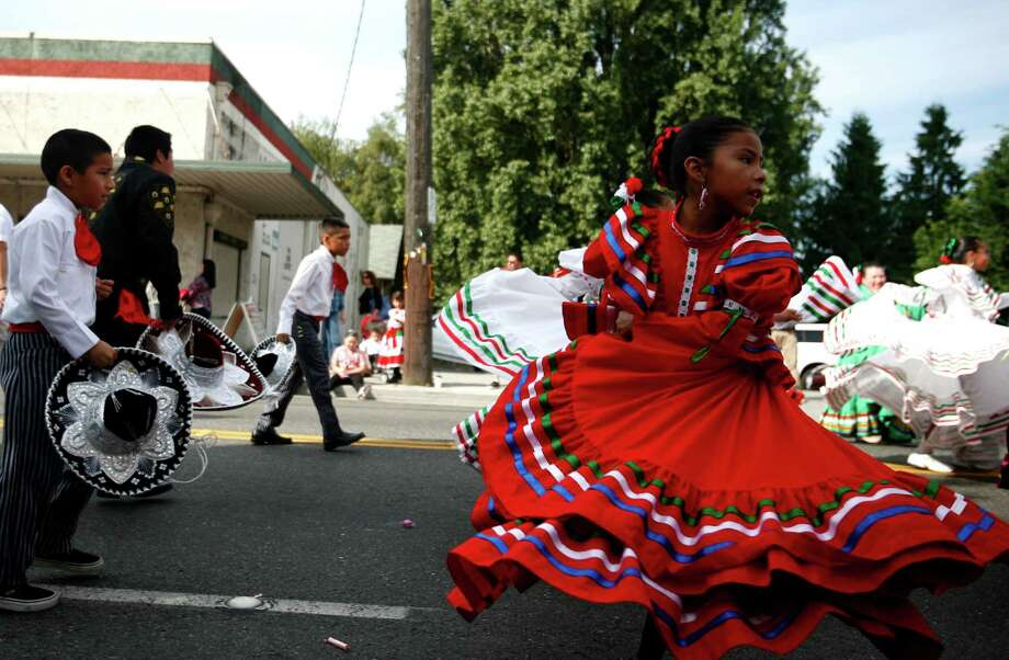 "Angeles Perez performs with the Groupo De Danza ""Quetzal."" Photo: Sofia Jaramillo / SEATTLEPI.COM"