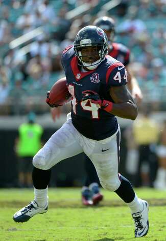 Houston Texans running back Ben Tate (44) runs for yardage during the second half of an NFL football game against the Jacksonville Jaguars in Jacksonville, Fla., Sunday, Sept. 16, 2012.(AP Photo/Phelan M. Ebenhack) Photo: Phelan M. Ebenhack, FRE / FR121174 AP