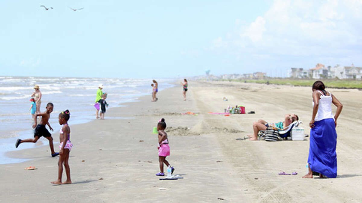 Galveston gulf facing seawallGalveston CountyThirty-one areas checked eighteen reported Low levels and twelve reported High levels and two reported Medium levels
