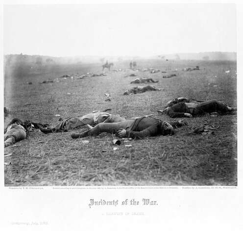 Dead Union soldiers on the battlefield at Gettysburg, Pa. (July 7, 1863) Photo: Library Of Congress