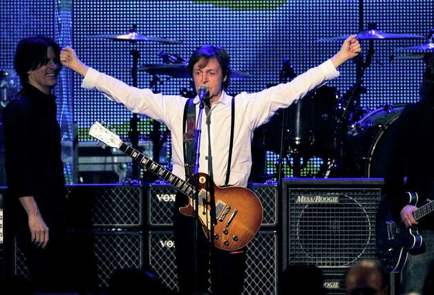 "Paul McCartney has no idea how many Grammys he has. Take that, Justin Bieber! The music legend was surprised to learn that last Sunday marked his 17th win at the awards show. ""I don't keep count, I supposed that's somewhat flash – people know my figures better than I do,"" he told BBC. Photo: Chris Pizzello, Associated Press / AP"