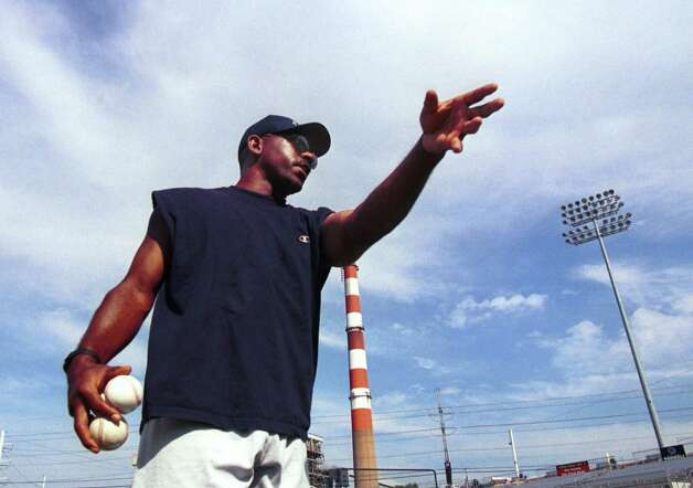 Manager Willie Upshaw is shown 12 seasons ago at the Ballpark at Harbor Yard in Bridgeport. Photo: Paul  Desmarais, ST