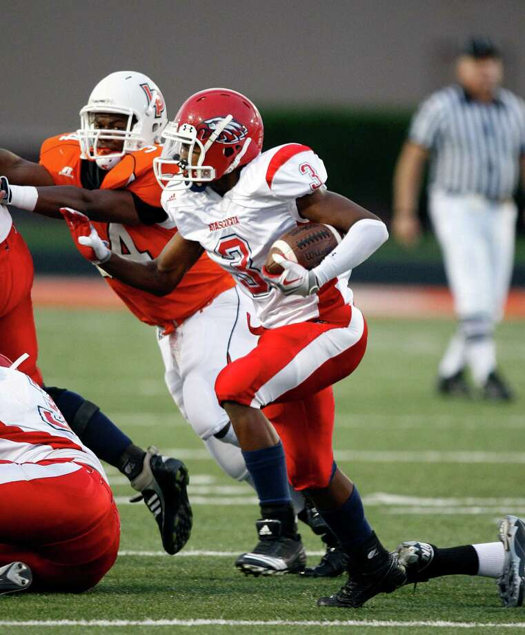 Elijah Merchant is the leading rusher for Atascocita, which is off to a 3-0 start. Photo: Bob Levey / Freelance