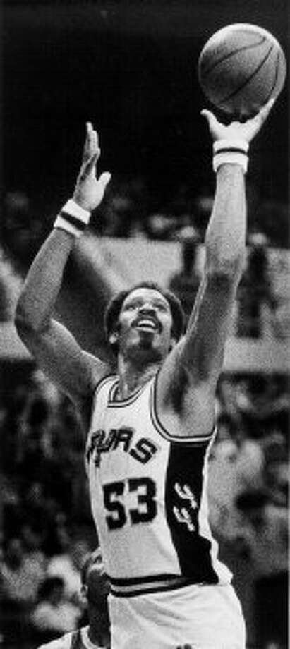 Artis GilmoreAcquired July 22, 198233 years old at start of season11-year veteran (Career began in 1971 with ABA's Kentucky Colonels)With Spurs: 1982-87Last season: 1987-88Career highs: NBA – 23.7 pts, 1978-79 and 13.1 reb, 1977-78, both with Chicago. ABA – 24.6 pts, 1975-76 and 18.3 reb, 1973-74, both with Kentucky Colonels.Best with Spurs: 19.1 pts, 1984-85; 12.0 reb, 1982-83.Best after Spurs: 3.7 pts, 3.0 reb, 1987-88, with Chicago and Boston. (PAT SULLIVAN / FILE)