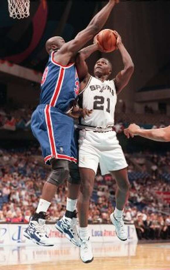 Dominique WilkinsAcquired Oct. 4, 199636 years old at start of season13-year veteran (NBA career began in 1982 with Atlanta)With Spurs: 1996-97Last season: 1998-99 (not in NBA in 1997-98)Career highs: 30.7 pts, 1987-88, Atlanta.Best with Spurs: 18.2 pts, 1996-97.Best after Spurs: 5.0 pts, 1998-99, Orlando. (JERRY LARA / SAN ANTONIO EXPRESS-NEWS)