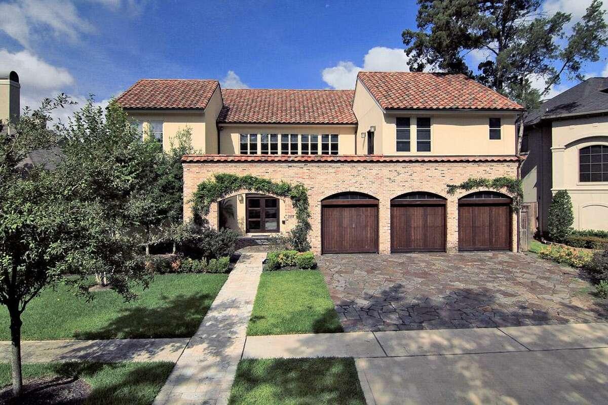 Memorial ParkMedian Home Price: $1.8 millionAnnual Salary needed: $497,041